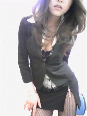 妄想アゲアゲな攻撃力の高い女のボディライン強調エロ画像www