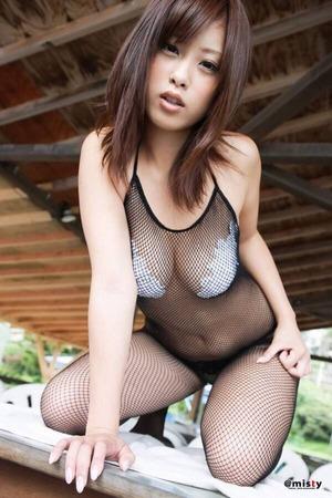 野田彩加という貧乳顔なのに乳のデカい女www