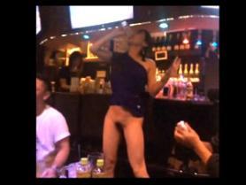 【ドスケベ素人】泥酔した女の黒歴史www酔ってエッチな醜態を晒してる素人娘たち!