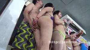 AV女優の水泳大会が更衣室でもプール内でも隙あらばハメまくりでイイ!
