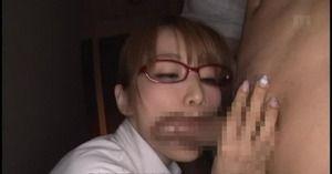【ドスケベフェラ】学生チ○ポを連続フェラ抜き美人女教師のおしゃぶりエロスwww
