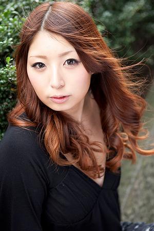 kyonyuoppaiero20140310-02akiyoshihinano0007