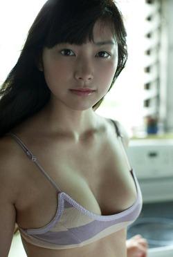 【3次巨乳美少女】元アイドリング!!!・尾島知佳ちゃんEカップの水着グラビア!