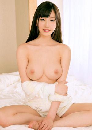 お椀型でデカい乳房www美美巨乳女子写真☆