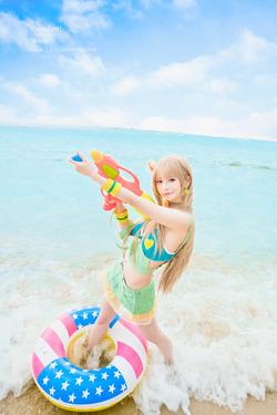 【3次美少女】ビーチで野外撮影!ラブライブ!水着Verコスプレイヤー!