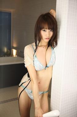 おっぱいたわわw青島あきなちゃんのセクシーグラビア!