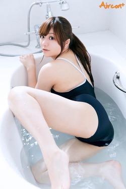 純白すべすべ体☆小熊絵理ちゃんのグラビア&自撮り写真☆