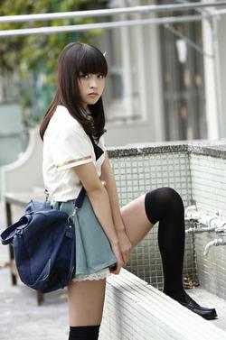 【3次美少女】ニーソの似合う美脚スレンダー!大谷澪ちゃん画像!