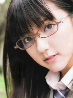 ザーメンぶっかけてぇ!!!メガネの美少女画像!