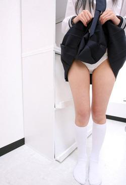 【3次美少女】清潔感↑↑なブルセラ制服のJKエロス画像www