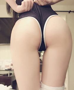 【3次美少女】ハメ撮り流出したXidaidaiちゃんの美尻スク水ニーソ画像まとめ