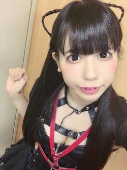 タレ目系ロリ・恋汐りんごちゃんの自撮りがおっぱいアピールwww