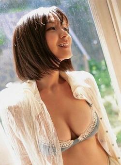 平田裕香ちゃんは巨乳で癒し系笑顔でほっこりするなw