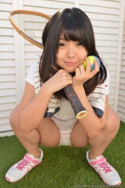 タレ目の甘ロリ顔・安土結ちゃんのテニスウェアなエログラビア!
