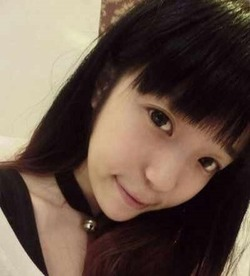 【3次美少女】このロリ顔美少女がピンクのマ○コとアナルをくぱぁ自撮りwww
