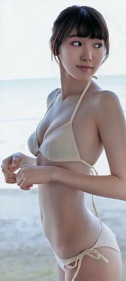 【3次美少女】飯豊まりえちゃんの水着&JK制服画像!