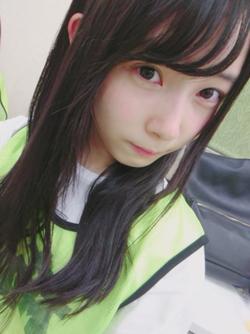 ナチュラル系美少女・柿崎芽実ちゃんのオフショット&自撮り画像!