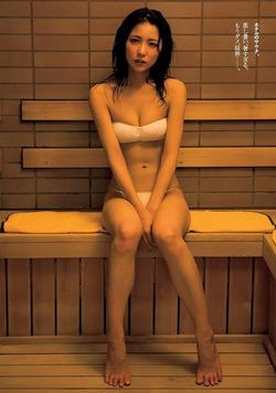 【3次美少女】若手女優・石川恋ちゃんの水着グラビアが雰囲気↑↑でエロいw