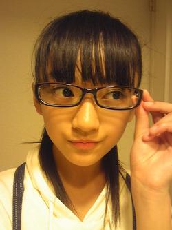 このメガネ美少女がしなやかボディでエロいんすよwww下村実生画像!