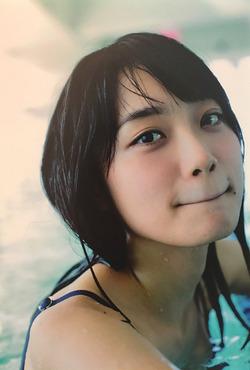 乃木坂・深川麻衣ちゃんの透明感↑↑グラビア!