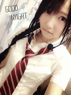 井上由莉耶ちゃんの清潔感↑↑な制服姿がたまらんねwww自画撮り画像w