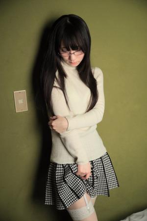 【清楚系ビッチ】気弱顔の黒髪メガネちゃんが可愛ええwww