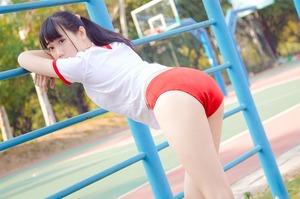 台湾の清楚コスプレイヤーの体操服ブルマコスが爽やかエロスでイ!
