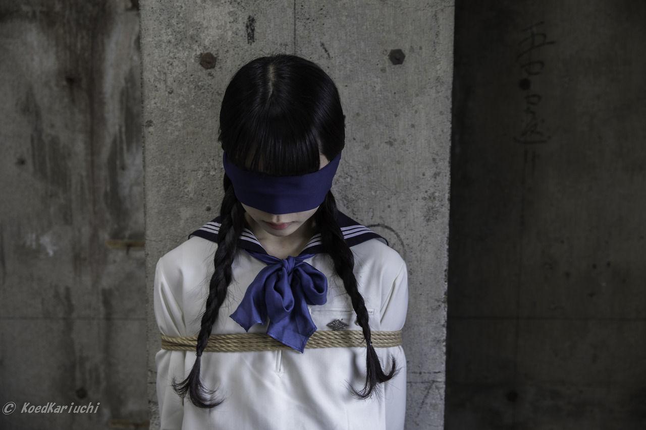 koedkariuchi  緊縛  女子中学生  2
