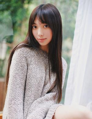 【清楚系】ゆったりニットに萌え袖!愛されコーデな女の子画像!