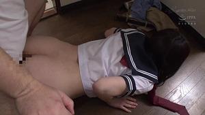 むっちりエロ尻JKのパンチラに我慢できずに寝バックピストンレ○プwww