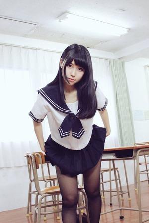 黒パンストとか脱ぎ掛けとか美少女JKのグッときたエロス画像!