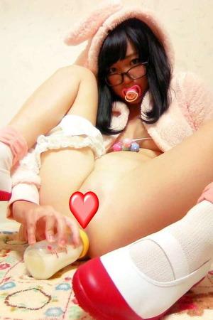 【アキバ系ビッチ】アナル拡張済みオタク女子のアナルオナニー画像!