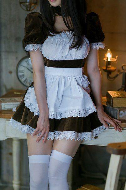 (純粋系ビッチ)メイドさん服とニーソのえろス写真☆絶対領域☆