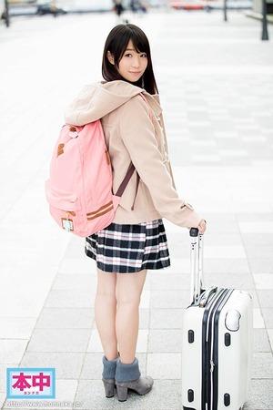 【清楚系ビッチ】東北から上京したての純朴娘。男優ち○ぽで処女喪失www