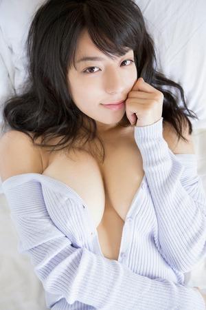 【清楚系ビッチ】貧乳顔なのに爆乳な女の子っていいよね!小瀬田麻由画像!