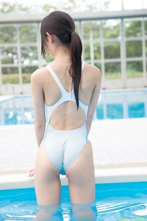 【清楚系ビッチ】凛とした佇まいに競泳水着が似合ってる柚木しおりの美尻画像!