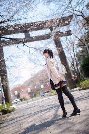 制服の美少女の身にまとう空気感にグッとくる青春画像!
