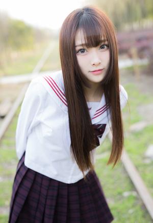 【清楚】理想の「クラスメート像」を体現する制服の美少女画像!