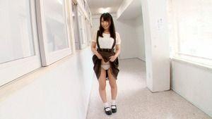 童貞が好きなコーデwwwサスペンダースカート女子のパンチラエロ画像!