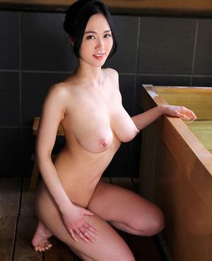【爆乳ビッチ】嫁にほしいwwwくびれ爆乳ボディな菅野さゆき画像!