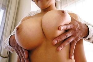 揉みがいのある美巨乳wwwデカパイ全裸家政婦の性欲処理セクロスがイイ!