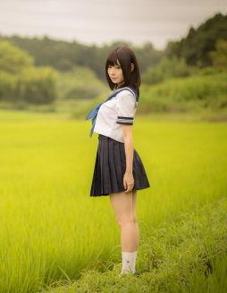 【清楚系】その醸し出す清涼な雰囲気にグっとくる制服の美少女画像!
