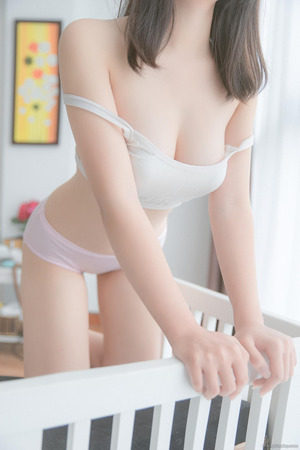 【清楚系】清潔感にグっとくる下着姿の女の子画像!