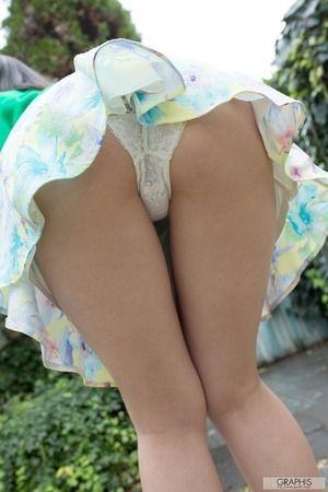【清楚系ビッチ】立ちバックでアヘアヘさせたい美尻美少女・小野寺梨紗のグラビア画像!