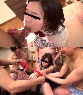 低身長女子のお口をオヤジち○ぽで蹂躙wスク水輪姦www