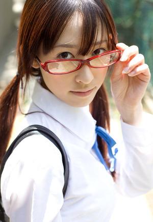 【清楚系ビッチ】清潔感↑↑なメガネ美少女JKと昼間からホテルセクロスとか羨ましすぎるwww