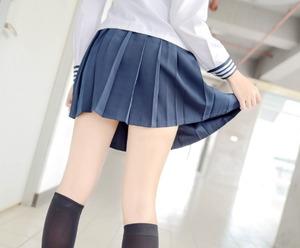 【清楚系】制服美少女の何気ない一瞬のエロスを捉えたフェチ画像!