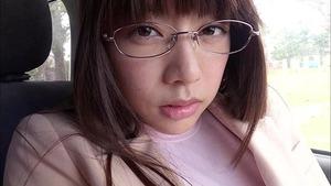 このメガネの美少女が巨乳なんすよwww和泉美沙希ちゃんのIV画像!