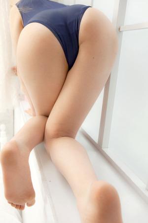 【体育会系ビッチ】水着が引き立てる曲線美wwwエロ尻&美尻なお嬢さん画像!