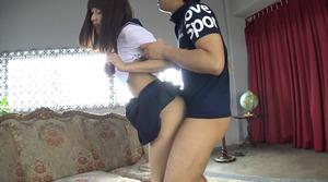 【清楚系ビッチ】制服美少女の若い子宮に精液を注ぎ込む着衣セクロスwww